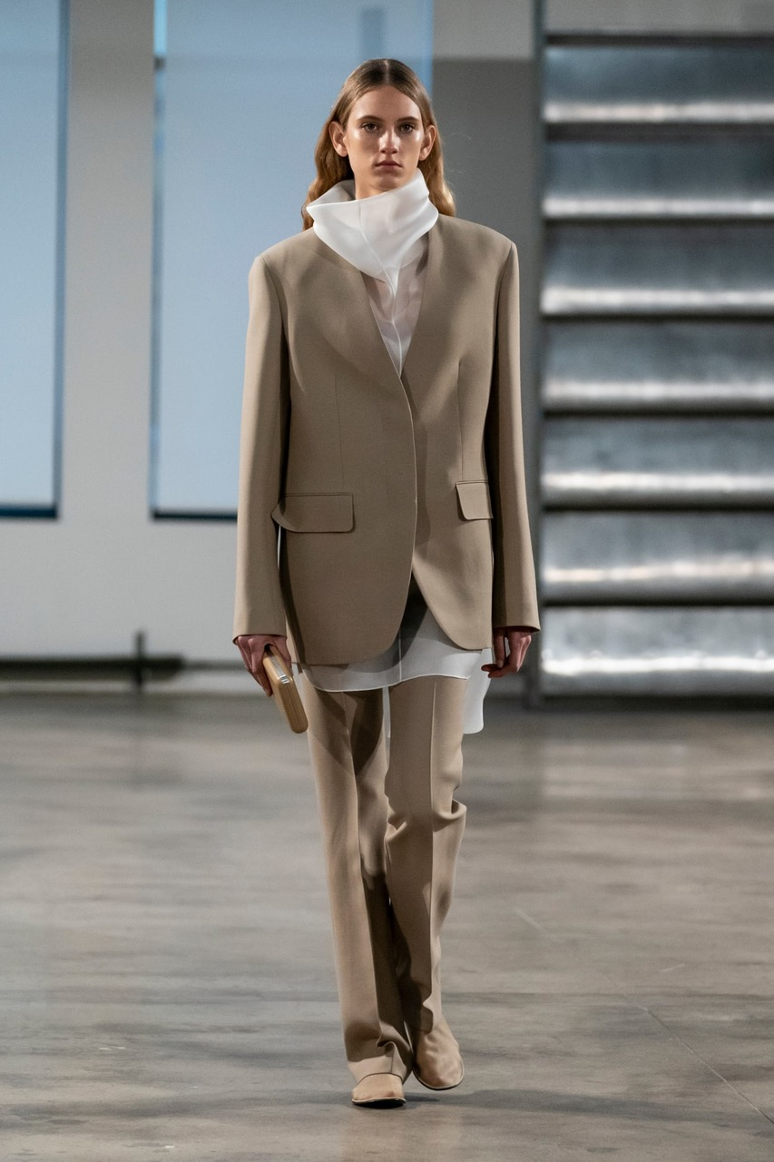slouchy-suiting-trend-nyfw-fall-2019-the-row-2